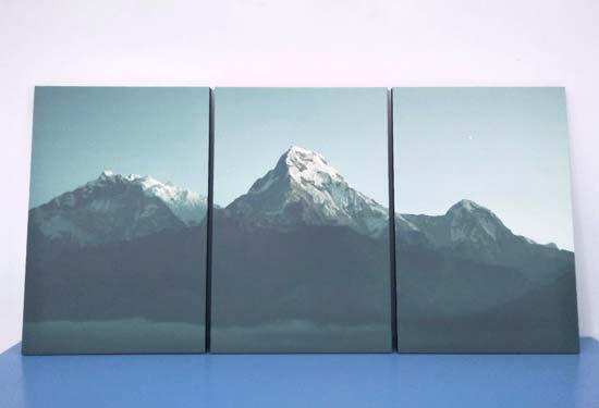 รูปภาพติดผนังห้องนอน ภูเขาหิมาลัย สีเทา