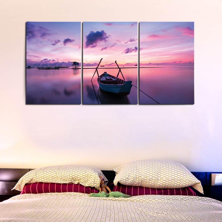 แต่งห้องนอน สีม่วง ด้วยกรอบรูปทะเล