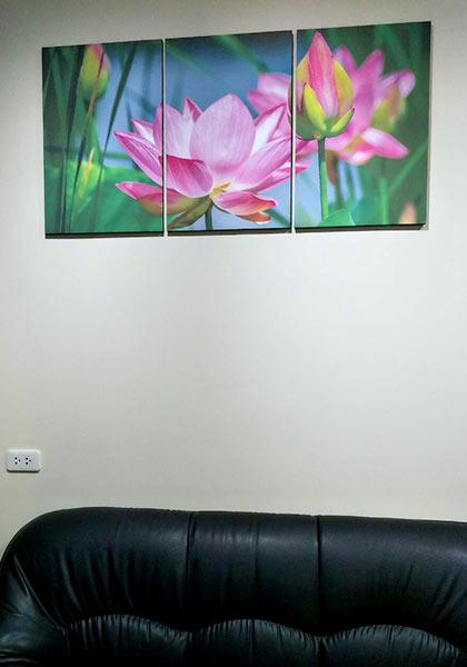 กรอบรูปติดผนังบ้าน ภาพดอกบัวชมพู