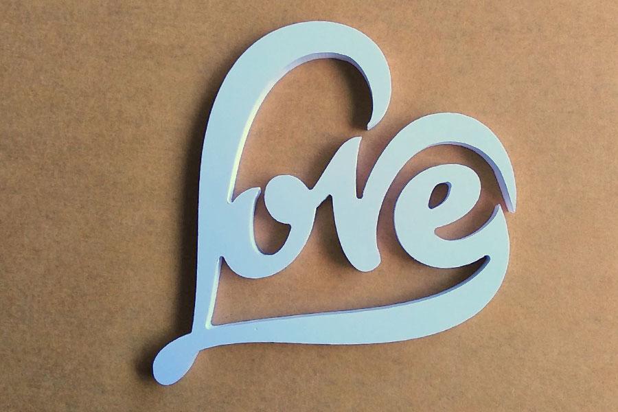 ตัวอักษรติดผนัง LOVE ให้แฟนเป็นของขวัญ