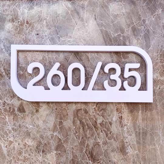 ป้ายบ้านเลขที่ ป้ายเลขที่ห้อง ป้ายห้องพัก พลาสวูด สีขาว ราคาถูก