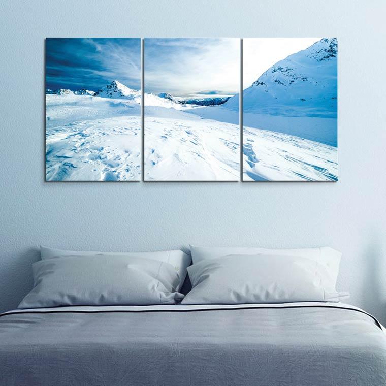 แต่งห้องนอน สีฟ้า เทา ด้วยภาพติดผนังภูเขา หิมะ