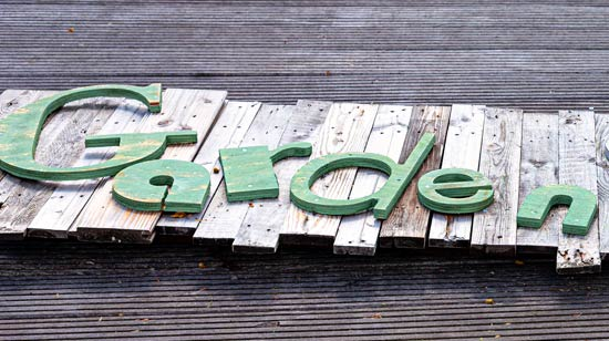 ตัวอย่าง ป้ายตัวอักษร ชื่อสวน ป้ายร้านต้นไม้ ทำจากไม้