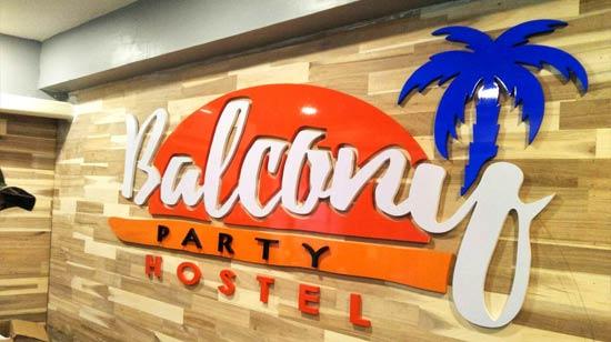 ป้ายตัวอักษร ตัวอักษรติดป้ายชื่อร้าน ตกแต่งผนัง โรงแรม